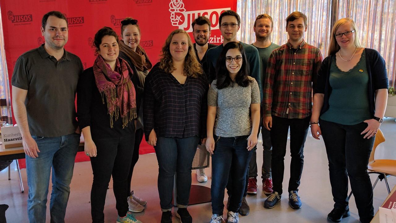 Nils, Janice, Silke, Larissa, Jasper, Lara, Nikolai, Nils, Tobi und Annika auf der Bezirkskonferenz Hannover 2017.