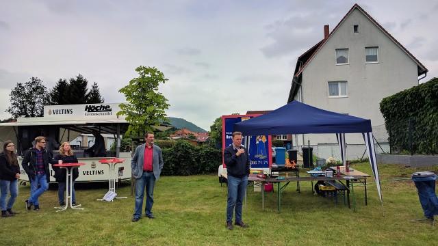 Thomas Oppermann hält ein Grußwort auf dem Dammwiesenfest in Bad Lauterberg